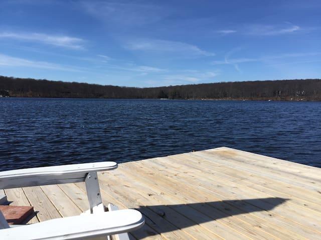 Georgia's Lake House springfed lake - Milford - Casa
