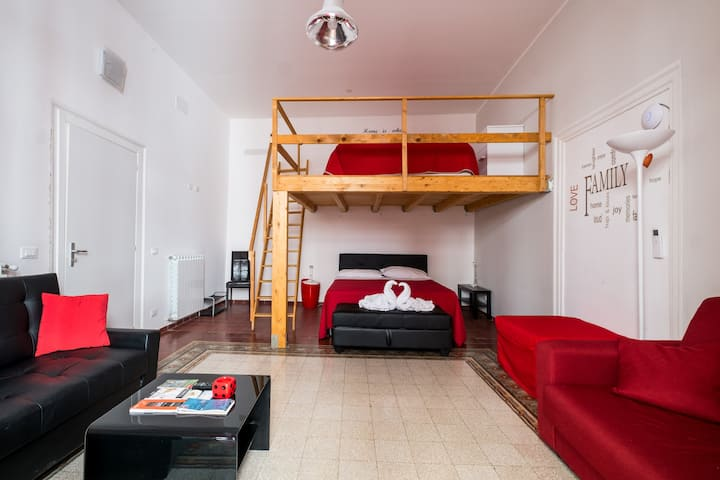 Central red apartment at Massimo theatre