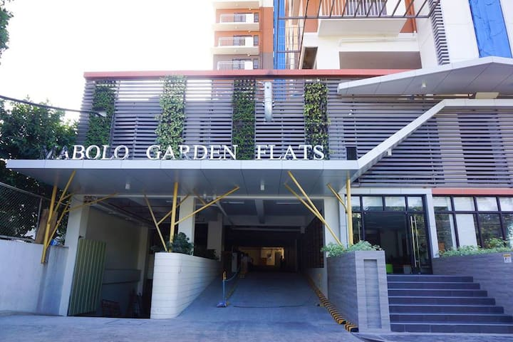 Studio Unit at Mabolo Garden Flats with Free Wifi
