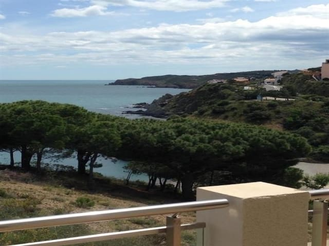Appartement F3 moderne, vue sur mer, wifi, ascenseur, terrasse et parking