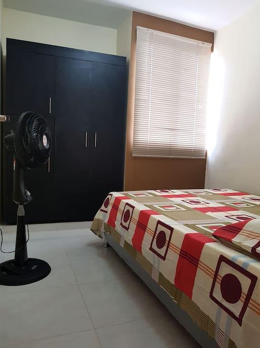 Habitaci n sencilla departamentos en alquiler en c cuta for Alquiler habitacion departamento