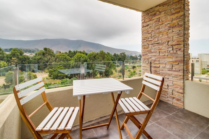 Family apartment with shared pool and lovely mountain views