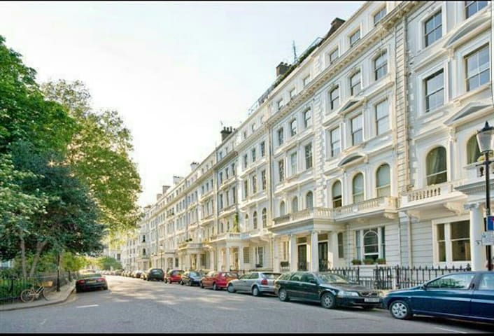 Ground Floor Art House - South Kensington