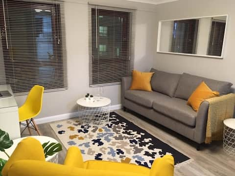 Modern comfortable apartment, Merchant City.