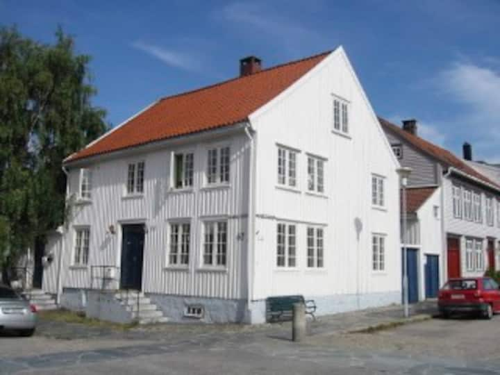 An old tree house in Kristiansansand (2.floor)