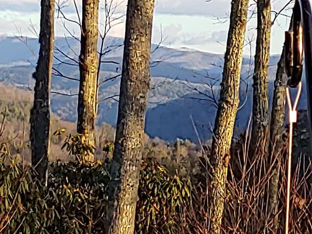 Log lodge stop the mountain