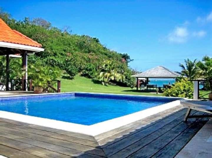 Kingfisher Beach Villa