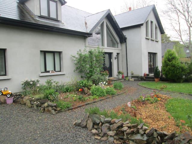 Eco House, spacious room with beautiful views