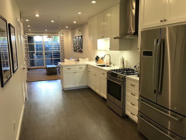 Brand New Modern Apartment for Business/Vacation - San Francisco - Appartement en résidence