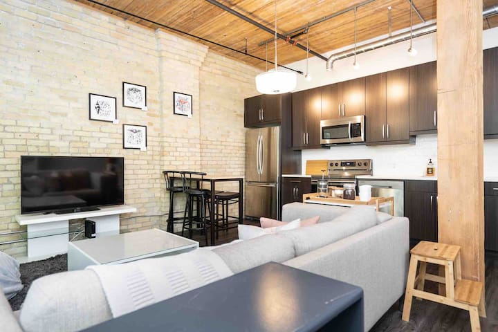 •Bright&Clean Loft w/CozyBed+ExchangeDistrict•