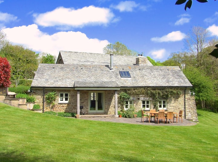 Cottage near Fowey with garden and parking