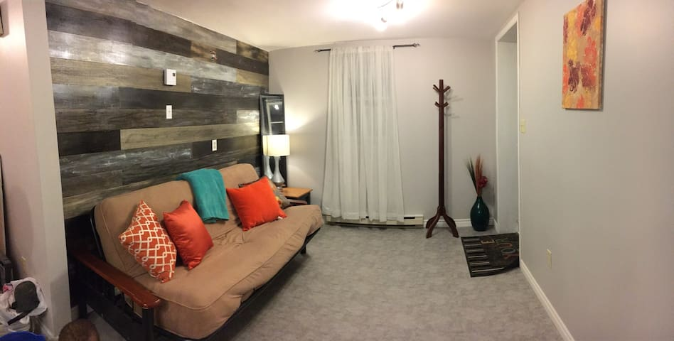 Cozy apartment walking distance to downtown - St. John's - Appartement
