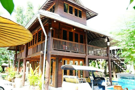 10 bedrooms Thai Boutique House Free bf & Cleaning