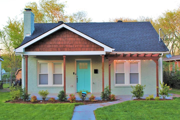 As Seen on HGTV-2 Miles From Broadway-Brand New!