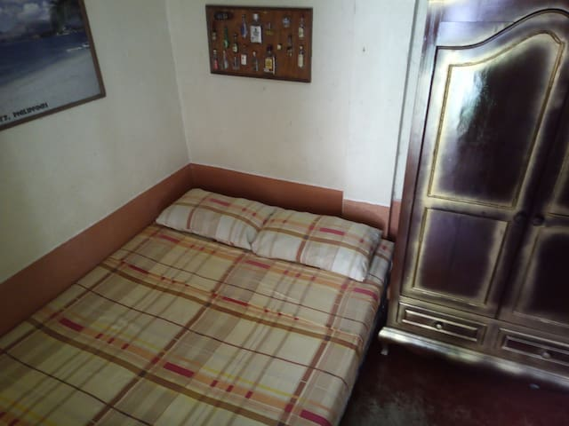 Secret Garden Hostel. Premium Room 2. Dalaguete.
