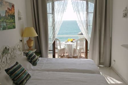 Bedroom with Sea and Beach front view - Casa Monte - Carvoeiro - Wohnung