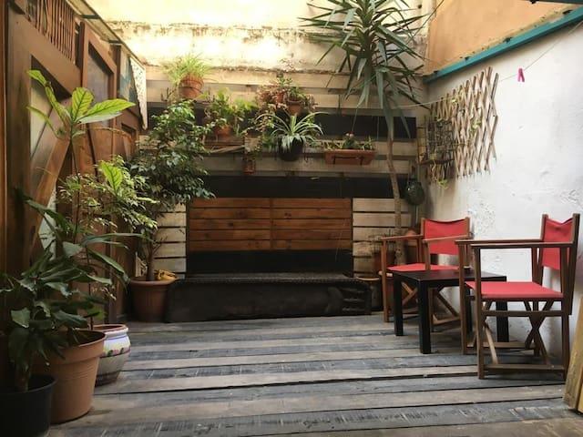 Habitación pequeña y acojedora en Poblé Sec