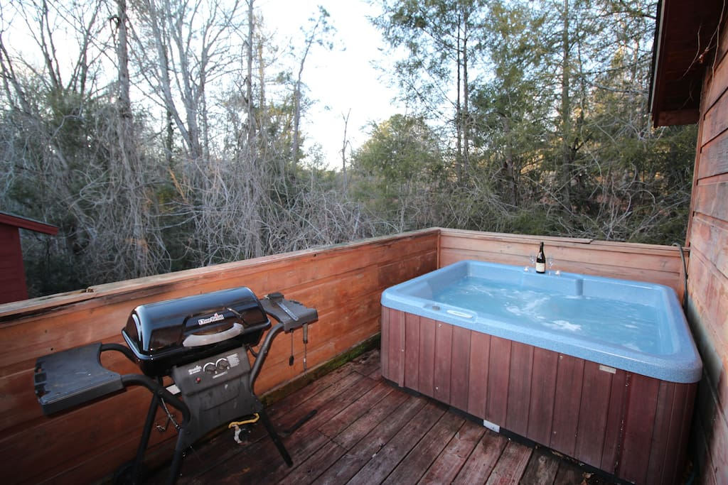 After a long day of driving to get to the cabin, grill up the perfect steaks, crack open a bottle of wine and have a soak in the hot tub on the deck conveniently located right off the kitchen.