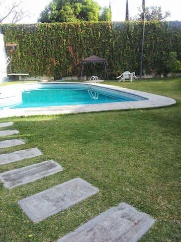 Villas cocoyoc: casita, cerca de Hacienda y Six F.