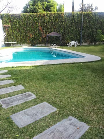 Villas cocoyoc: casita, cerca de Hacienda. Six F.