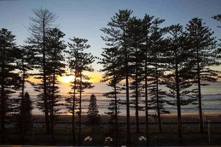 Deluxe Suite Ocean View Double Bed At Manly