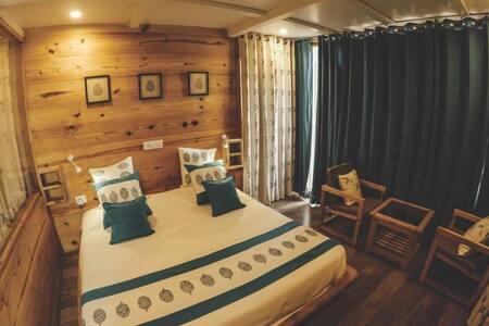 delux cottage in green valley - Dehradun
