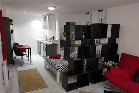 Appartement 1 à 4 personnes proche ttes commodités - Saint-Benoît - Apartament