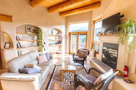 Eco Home With Amazing Mountain Views Close To Town