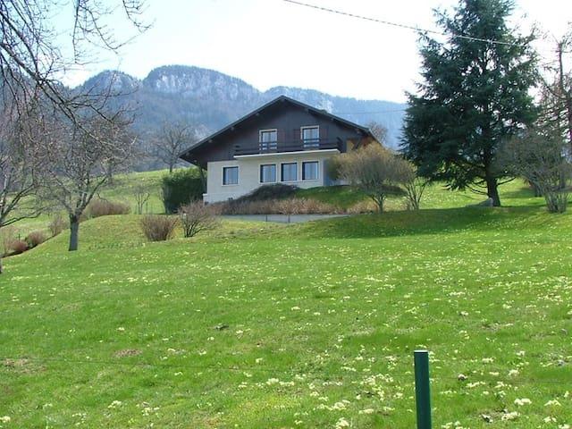 Villa Overlooking Lake Annecy - Saint-Jorioz