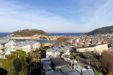 Bedroom with views I WIFI - Donostia