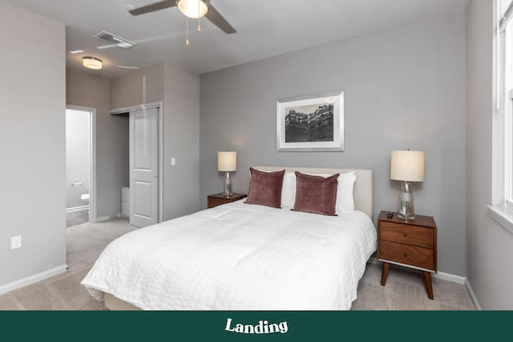 Landing | Modern Apartment with Amazing Amenities (ID6295)