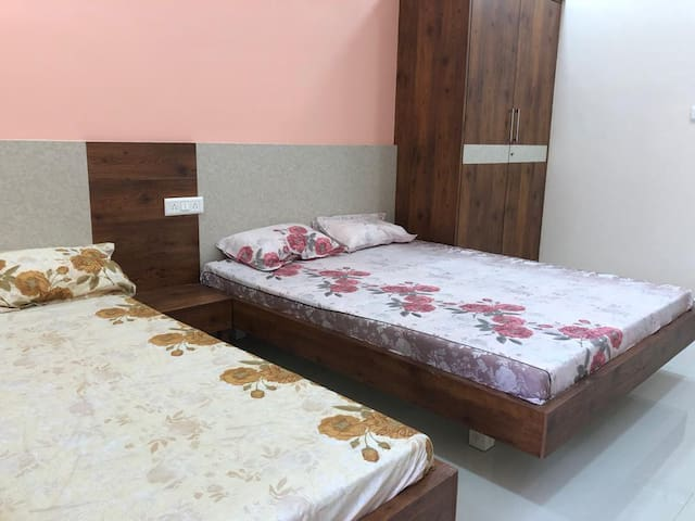 Ac Family bed room in Mogappair near Anna Nagar