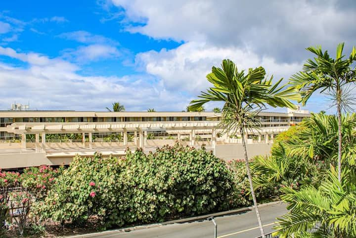 Kihei Akahi #D216-Studio Across Beautiful Beach