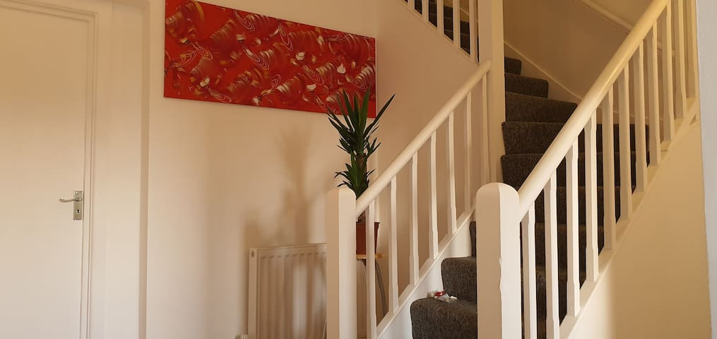 5 Bedroom Immaculate Self Catering Apartment