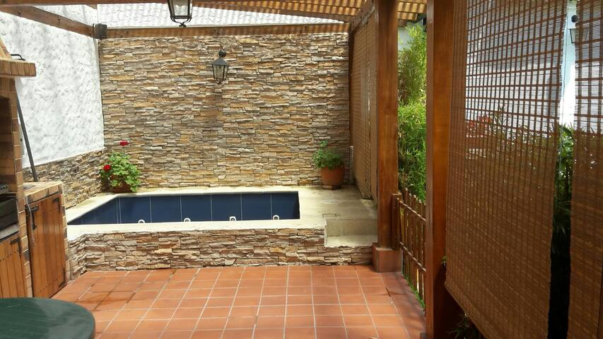 Habitacion confortable, lindo clima - Quito - Casa