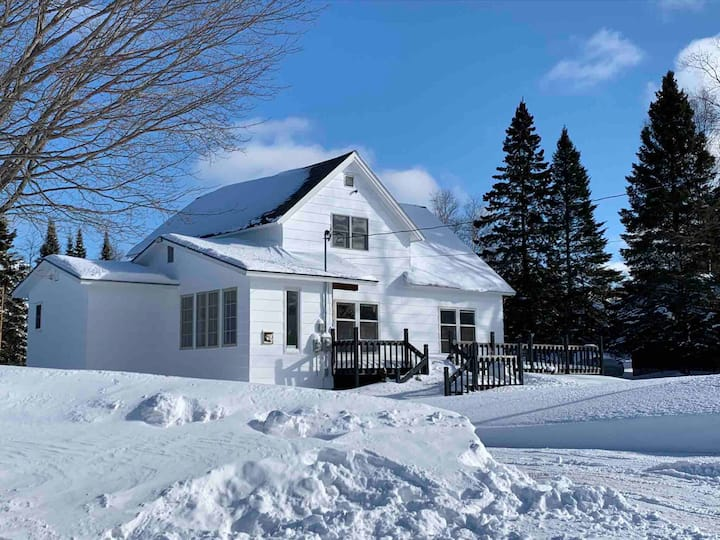 White Cap Cottage on Lake Superior
