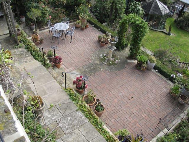 Beautiful spacious patio