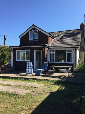 Entire 3 Bed house next to  beach - East Sussex - Hus