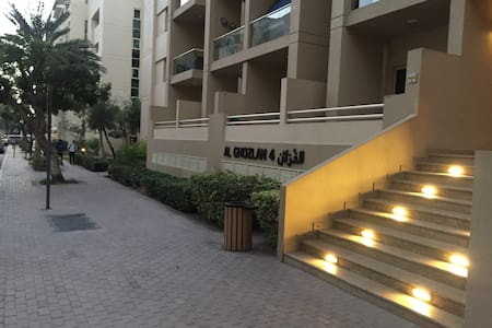Spacious 1 bed apartment with pool and gym access - Dubai - Apartment