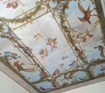 Double room in artist's flat. - Laveno Mombello