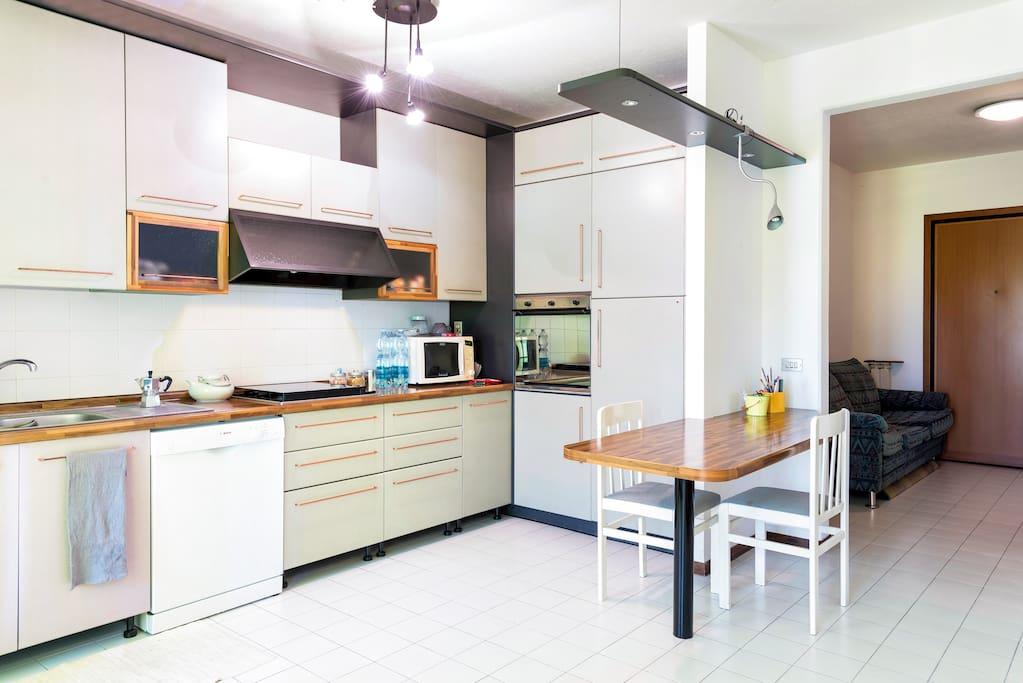 Appartamento in zona residenziale appartamenti in for Affitto appartamento arredato reggio emilia