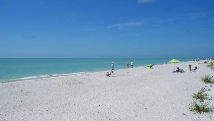 Island Beach Club #P3E