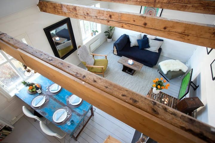 Modern cool old house, fantastic location! - Bergen - House