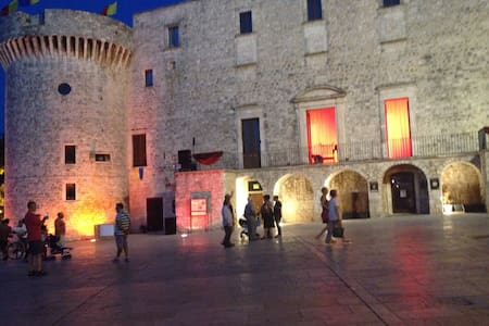 Torre-Charming stone house Puglia - Conversano - Hus