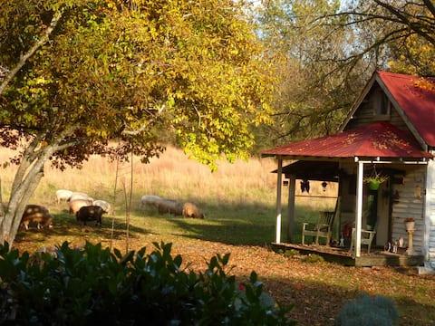 Cottage on Lavender Farm near Jack Daniel's
