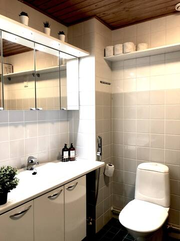 Confortable and very clean washroom