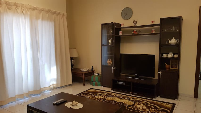 Large 1 bed.apart. fully furnished