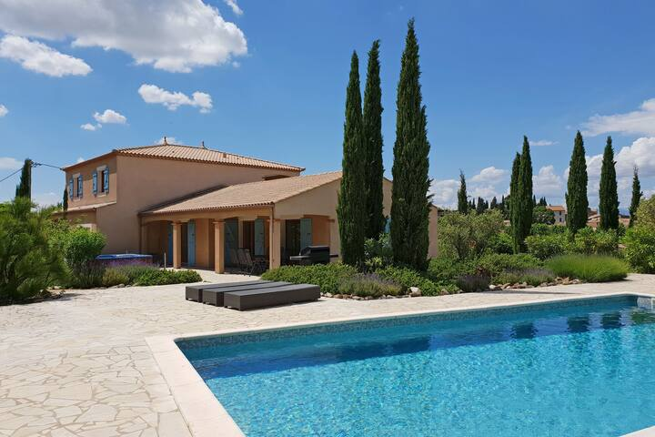 Modern Villa in Montbrun-des-Corbières with Private Pool