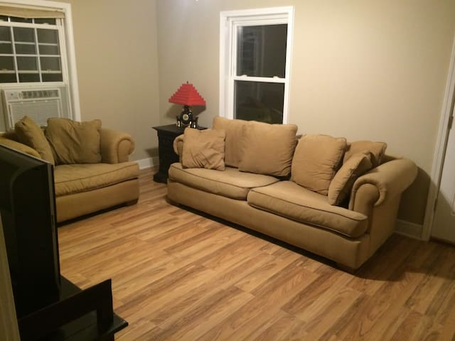 Small Central 2 Bedroom House - Lake Charles - Hus