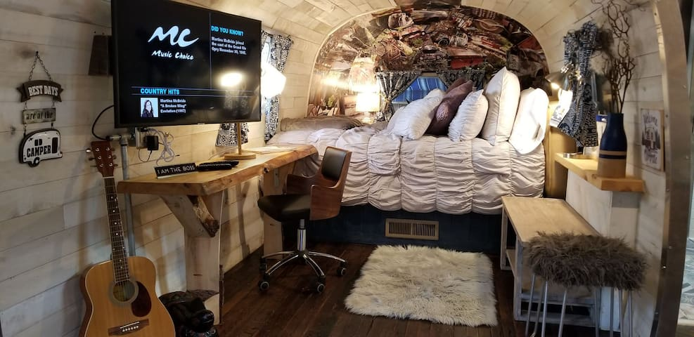 Fully Renovated Airstream